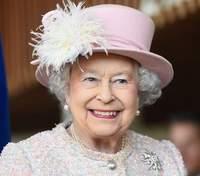 Королеві Єлизаветі II подарували двох цуценят коргі