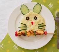 Вкусные блюда с курятиной для детского меню: колбаски, суп и бургеры