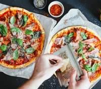 Рецепт смачного тіста на піцу з додаванням дріжджів
