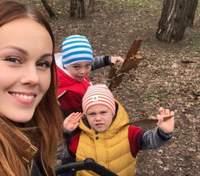 Alyosha зачарувала веселими фото з прогулянки з дітьми