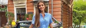 Жена Дмитрия Комарова очаровала элегантным образом в голубом платье: фото
