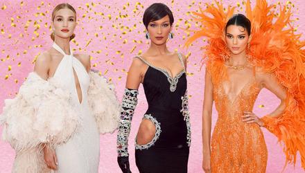 """""""Ангели"""" Victoria's Secret вразили вбраннями на Met Gala 2019: метрові шлейфи, латекс і декольте"""