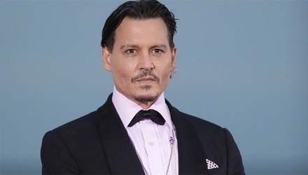 """Джонні Депп може позбутися ролі у """"Фантастичних звірах"""" через скандали з екс-дружиною"""