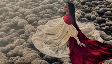 Модель с болезнью витилиго украсила обложку греческого Vogue: фантастические снимки