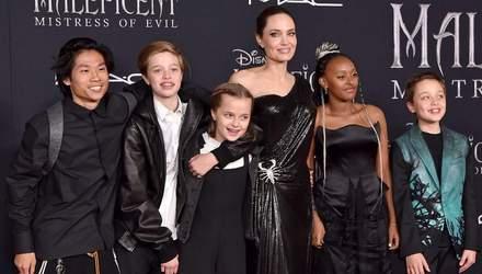 Дочери Анджелины Джоли впервые вышли на публику после операций: фото