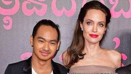 Старший син Анджеліни Джолі повернувся до США через коронавірус