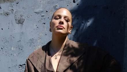 Ешлі Грем вдруге після пологів стала зіркою Harper's Bazaar: розкішне фото обкладинки