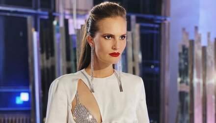 В пикантном платье: Алла Костромичова поразила дерзким образом на съемках – видео