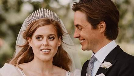 Новое фото со свадьбы принцессы Беатрис: Сара Йоркская поделилась семейным кадром