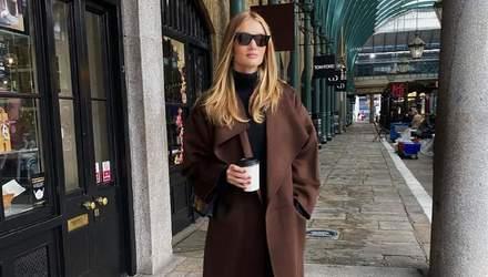 Тренди 2020: Розі Гантінгтон-Вайтлі показує, як носити пальто восени