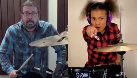 Десятирічна дівчинка влаштовує барабанні двобої з лідером Foo Fighters: відео підкорюють мережу