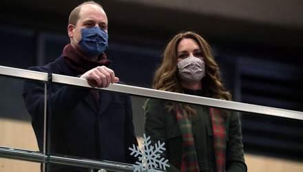 У пальті кольору хакі: Кейт Міддлтон підкорила елегантним осіннім вбранням – фото та відео