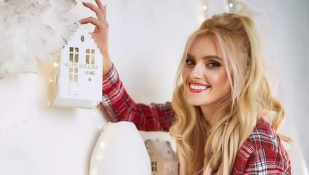 У білому светрі: Ірина Федишин зачарувала образом на новорічній фотосесії
