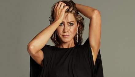 Стройная Дженнифер Энистон показала пикантное фото из ванной комнаты