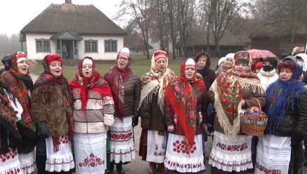 Колядки просто неба: як у Києві святкували Різдво попри COVID-19