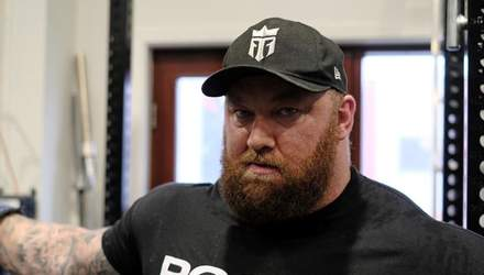 """Гора из """"Игры престолов"""" дебютировал в боксе против 60-килограммового соперника: видео"""