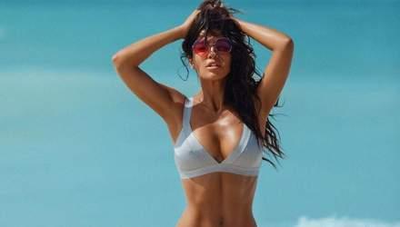 В откровенном бикини: Санта Димопулос похвасталась фигурой на берегу океана – видео