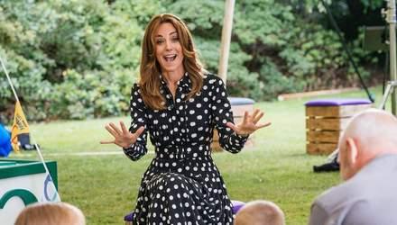 Первое королевское селфи: Кейт Миддлтон обратилась к публике в повседневном образе – видео