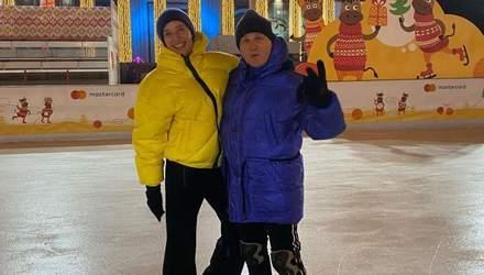 На санках: Юрій Горбунов показав зимові розваги з Осадчою, Каменських і Потапом – відео