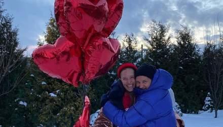 В снегу и с шариками: как Юрий Горбунов поздравил Катю Осадчую с днем влюбленных