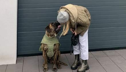 Ідеальний образ для прогулянки з собакою: цікавий варіант показує Софія Коельо