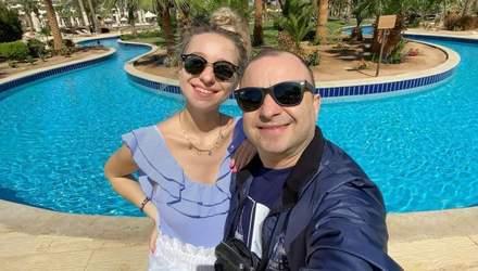 Впервые за рубежом, – беременная жена Виктора Павлика поделилась нежным фото из Египта