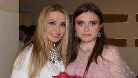 Ольга Сумська зворушливо привітала доньку з 19-річчям і показала архівні фото з пологового