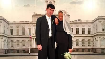 Акторка Хлоя Севіньї таємно вийшла заміж: перше весільне фото