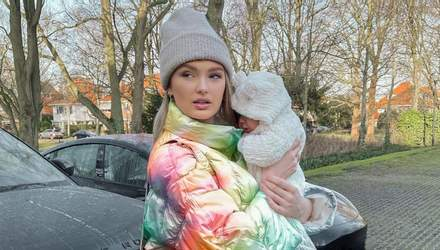 Ангел Victoria's Secret Ромі Стрейд вперше показала обличчя донечки: милі фото та відео