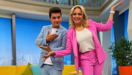 Лілія Ребрик приголомшила яскравим весняним образом у рожевому костюмі: фото