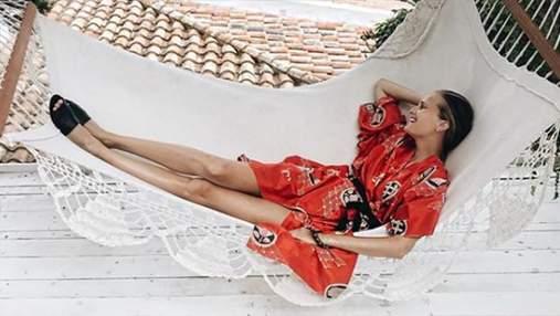 Українська модель похизувалася стрункою фігурою на відпочинку: фото