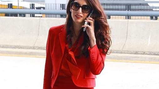 Амаль Клуни вернулась к работе через три месяца после родов: елегатний выход