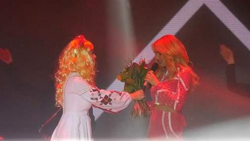 Ольга Фреймут раптово вибігла на сцену під час концерту Ірини Федишин: фото