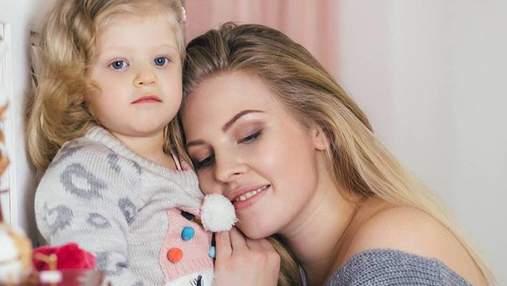 """Переможниця шоу """"Модель XL"""" знялася в новорічній фотосесії з донькою: зворушливі фото"""