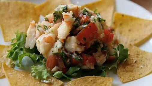 Простий рецепт смачного салату з базиліка та креветок