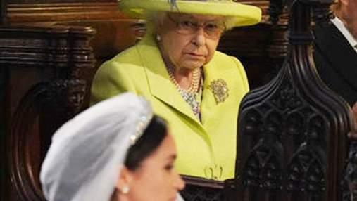 Психолог пояснила лютий погляд Єлизавети II на весіллі принца Гаррі та Меган Маркл