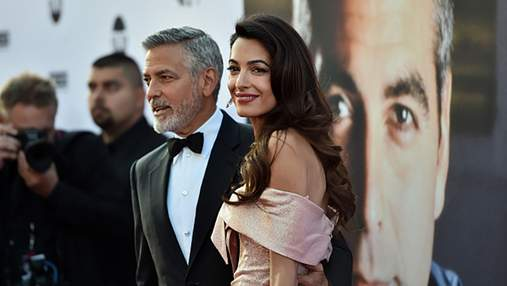 Джордж Клуни и Амаль очаровали нежными поцелуями на кинопремии: фото