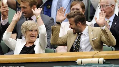 Дэвид Бекхэм после встречи с королевой успел на день рождения своей мамы