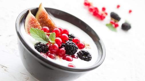 Нежный пудинг с ягодами: легкий рецепт завтрака