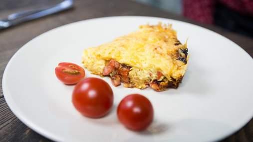 Итальянский завтрак: простой рецепт с чоризо, сыром и вялеными помидорами