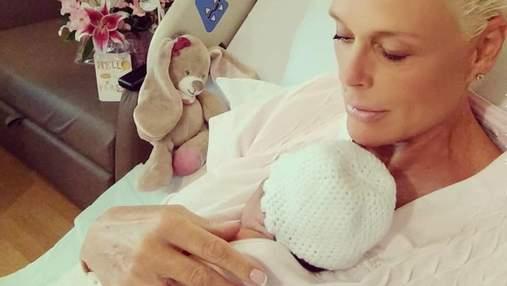 55-річна екс-дружина Сталлоне Бріггіта Нільсен розповіла про п'яту вагітність і показала доньку