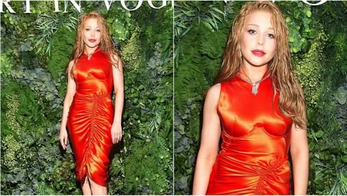 Тіна Кароль завітала на вечірку Vogue в яскравій сукні: фото