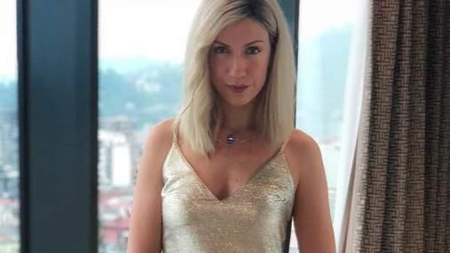 Леся Никитюк засветила ягодицы перед зеркалом: фото
