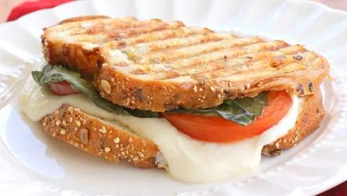Смачно і швидко: як зробити сандвіч з баклажаном і сиром