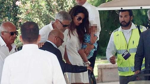 З'явилися перші фото Джорджа Клуні після ДТП в Італії