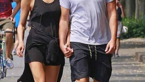 Татусева донька: Бредлі Купера підловили на сімейній прогулянці у Венеції