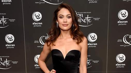 Ольга Куриленко засветила пикантное платье на кинофестивале: фото