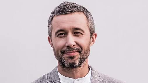 Сергій Бабкін записував пісні з оголеним торсом: пікантне фото