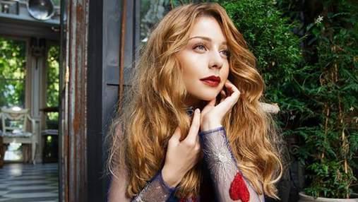 Тіна Кароль засвітила стильний осінній образ: яскраві фото
