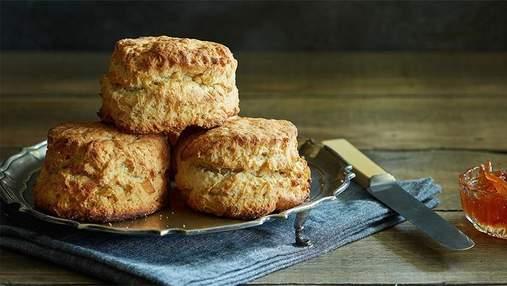 Запашні британські скони за годину: рецепт смачної випічки на сніданок